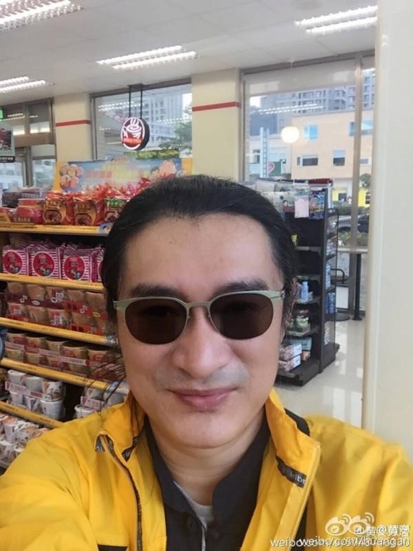 日前傳出23歲憲兵新兵簡志龍送醫不治,藝人黃安放話,認為台灣國軍完全少爺化、草莓化。(圖擷自黃安微博)