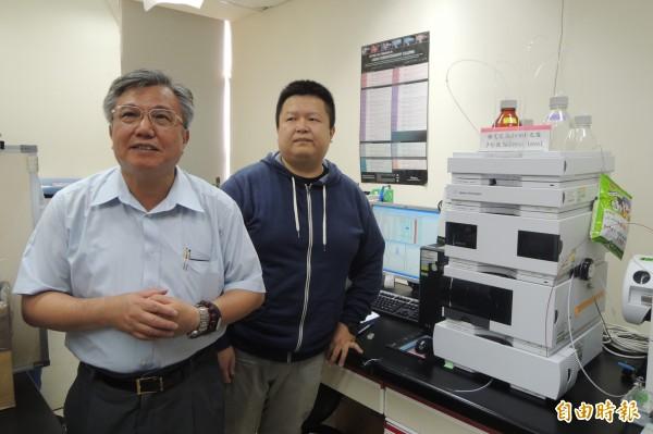 成大教授李俊璋及博士候選人張偉翔等團隊,證實塑化劑暴露對男性不孕症帶來影響。(記者劉婉君攝)