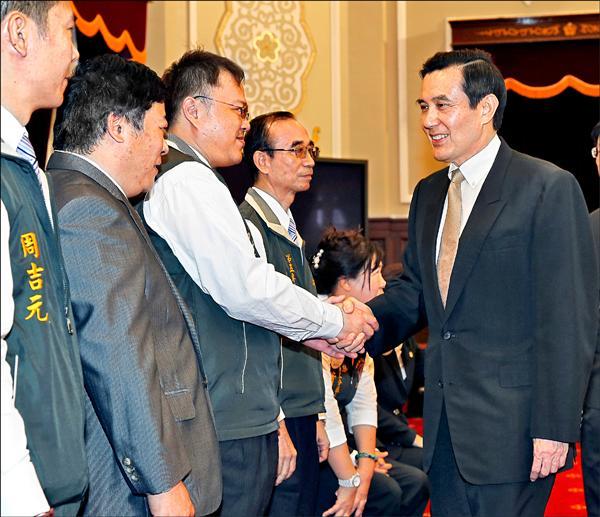 馬英九總統昨在總統府接見國際獅子會幹部時,繼續大談「馬習會」成果。(中央社)