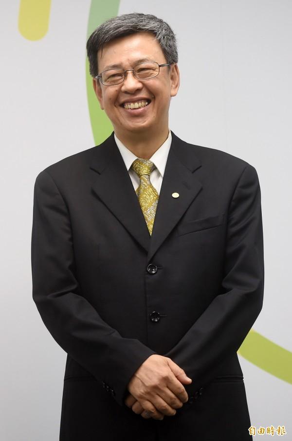陳建仁今天接受三立電視台訪問時自爆,自己結婚前為了追求太太,常去聖家堂,才在婚前成為天主教徒,他還自嘲「所以用心不良」。(記者簡榮豐攝)
