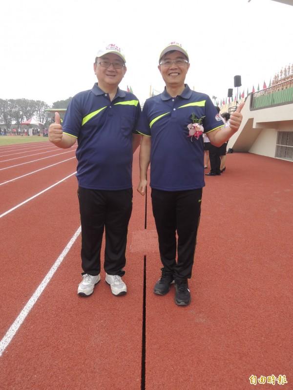 虎科大校長覺文郁(右)表示新跑道啟用後就是社區資源,歡迎大家來運動。(記者廖淑玲攝)