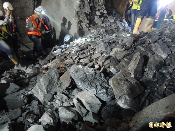 蘇花改觀音隧道上週六爆破的貫通石,將在24日發放。(資料照,記者江志雄攝)