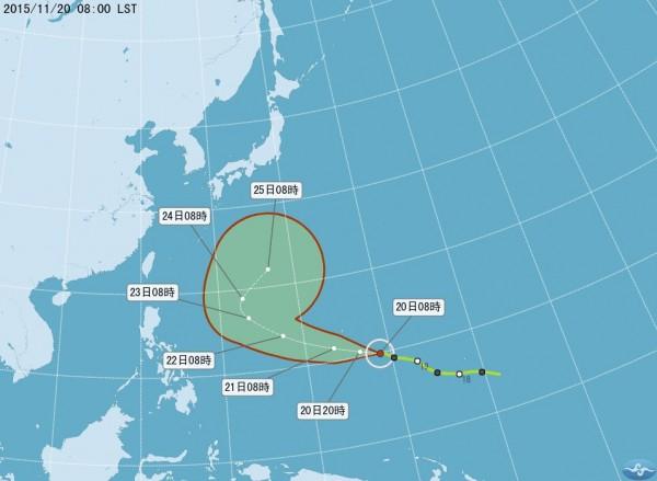 鄭明典說,目前看法沒變,這個颱風會被北方槽線往北帶走,不會直接影響台灣。(圖擷取自氣象局網站)