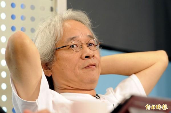馮光遠不想讓吳育昇高枕無憂地打完選戰,最後他選擇退選。(資料照,記者趙世勳攝)