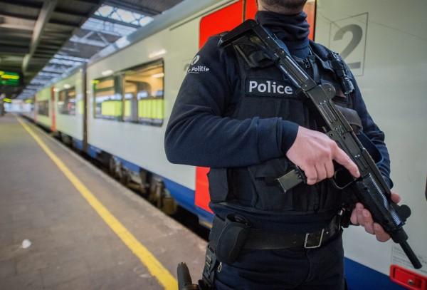 報告指出,2014年全球因恐怖活動而喪生者,達3萬2685人,較2013年增加80%,是史上最大增幅。圖為進入緊急戒備狀態的布魯塞爾地鐵。(歐新社)