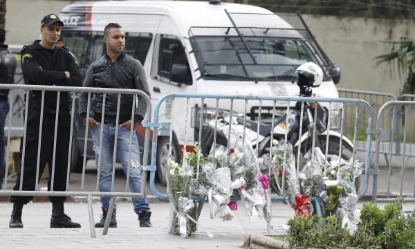 24日載有多名總統府衛隊的巴士,在突尼西亞首都遭到炸彈攻擊,造成至少12人當場死亡。(路透)