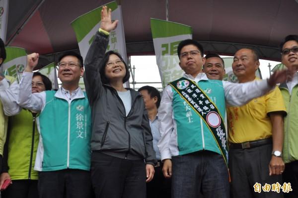 民進黨總統參選人蔡英文今天出席桃園的競選活動。(記者李容萍攝)