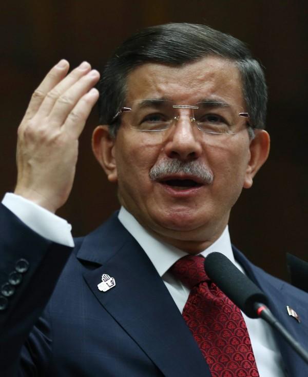 土耳其總理達伍特奧盧(Ahmet Davutoglu)在擊落俄國戰機一事今日態度軟化,將事情導向和解的基調上。(法新社)