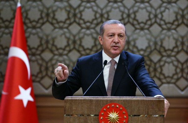 土耳其總統艾爾多安(Recep Tayyip Erdogan)親自對《共和報》提出訴訟,被質疑侵害新聞自由。(美聯社)