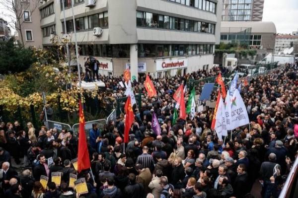 抗議民眾大喊總統艾爾多安是「兇手」、「說謊者」。(法新社)