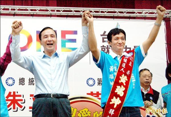 南市立委第一選區國民黨候選人黃瑞坤以新人之姿急起直追。(記者王涵平攝)