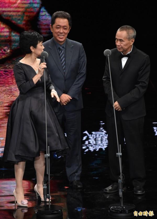 第52屆金馬獎時,候孝賢獲頒年度台灣傑出電影工作者,還與張艾嘉同台,今天2人具名砲轟台北市文化局長倪重華,要求他針對台北電影節事件道歉。(記者趙世勳攝)