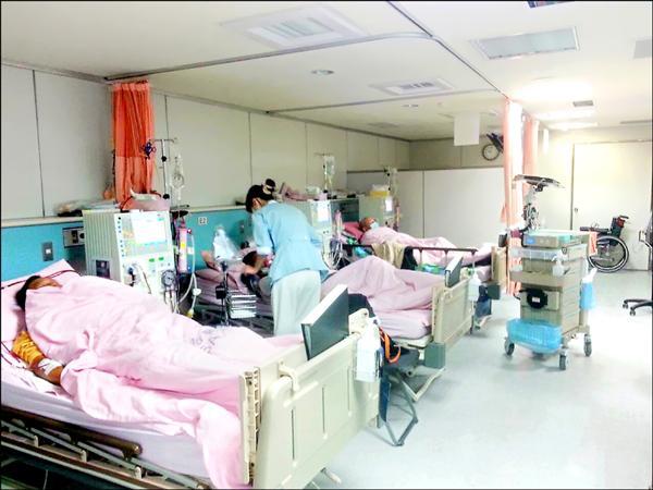 ▲過度進補有可能引發腎病變,需洗腎救命。(記者方志賢翻攝)