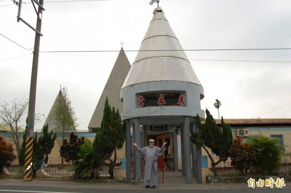 後壁菁寮聖十字教堂是普立茲克建築獎得主波姆的名作,菁寮著名的地標和旅遊景點。(記者楊金城攝)