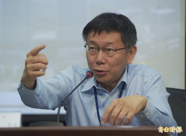 台北市長柯文哲4日接受媒體聯訪。(記者王敏為攝)