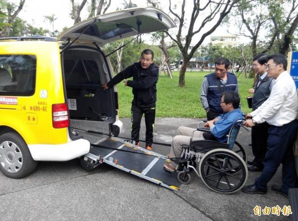 無障礙計程車不但可以提供社會服務,還有無限商機。(記者簡惠茹攝)