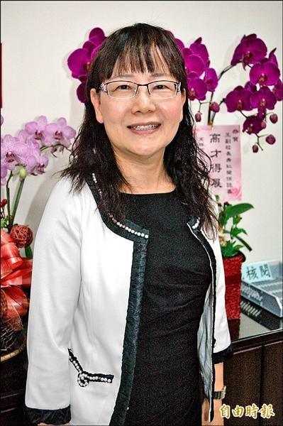 高醫大新任副校長王秀紅,是高醫大成立60年,第一位具護理背景及女性副校長。(記者方志賢攝)