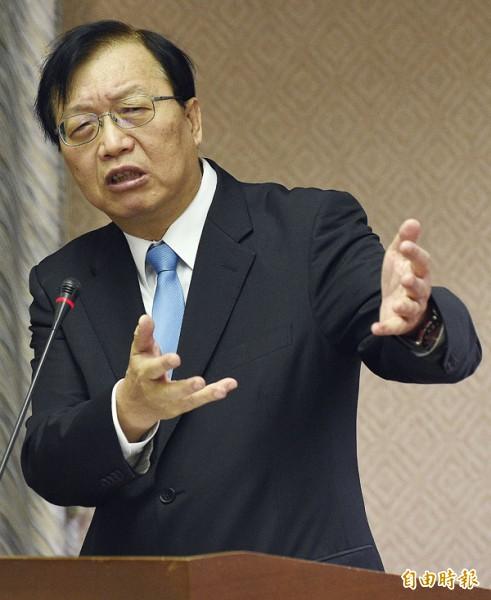 內政部長陳威仁指出,政府不再興建合宜住宅,將以「只租不賣」的社會住宅為主。(記者陳志曲攝)