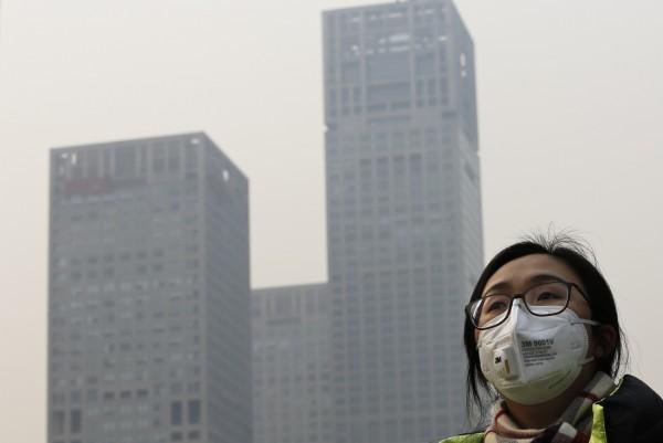 中國傳出有12萬個仿冒美國3M公司的假口罩被查獲!(美聯社)