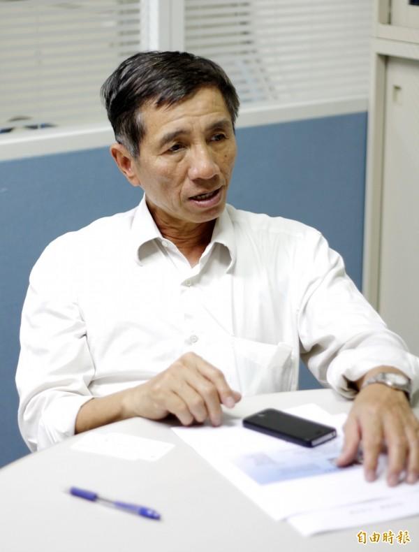 美和科技大學副校長陳景川表示,今天說明味全植物油攙混大統長基銅葉綠素案相關案情,指台北地檢署不應在起訴時,向媒體影射他隱匿報告的實情。(記者邱芷柔攝)