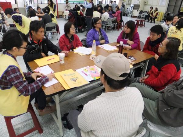 首場身障就業參與式預算論壇,參與熱烈。(新北市政府勞工局提供)