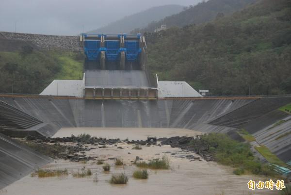 牡丹水庫供給從恆春鎮到新園鄉的自來水源,主幹管在車城分歧。(資料照,記者蔡宗憲攝)