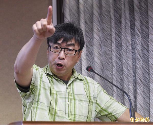 綠委段宜康昨日在臉書上表示,看國民黨大談炒土地的話題實在很有趣,因為國民黨可是直接拿別人的土地來賣。(資料照,記者陳志曲攝)