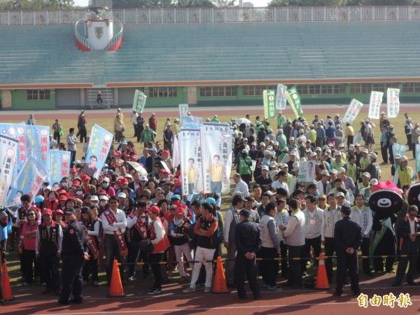 南市立委選舉抽籤、在台南市立體育場舉辦。(記者洪瑞琴攝)