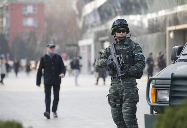 美國駐中國大使館在今(24)日發出警告,稱得到情資,耶誕節假期間,北京三里屯可能受到恐怖攻擊。(路透)