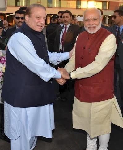 印、巴總理會面,兩國破冰。(路透)