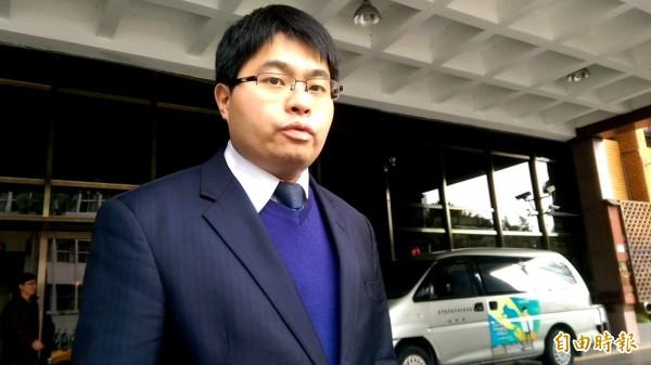 民進黨發言人黃帝穎今以告訴人、被告身分出庭應訊。(記者謝君臨攝)