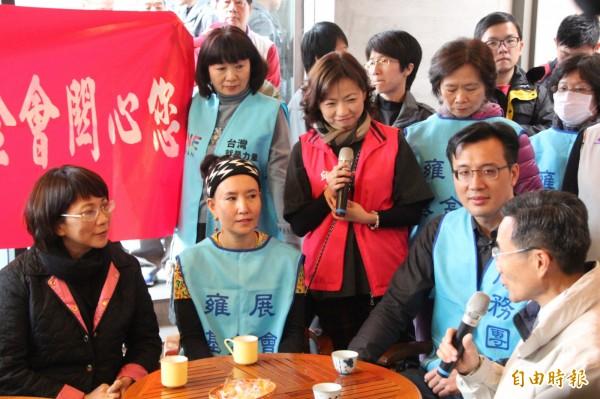 王呼籲段宜康應該要多注重社會的公益,認為「選舉是一時的,但台灣須要照顧的弱勢朋友是永遠的。」(記者鍾泓良攝)