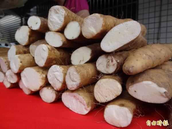 中醫師吳明珠建議,可多吃當季的「白色食物」,如山藥(見圖)、白蘿蔔、水梨、薏仁等來清肺。(資料照,記者陳韋宗攝)