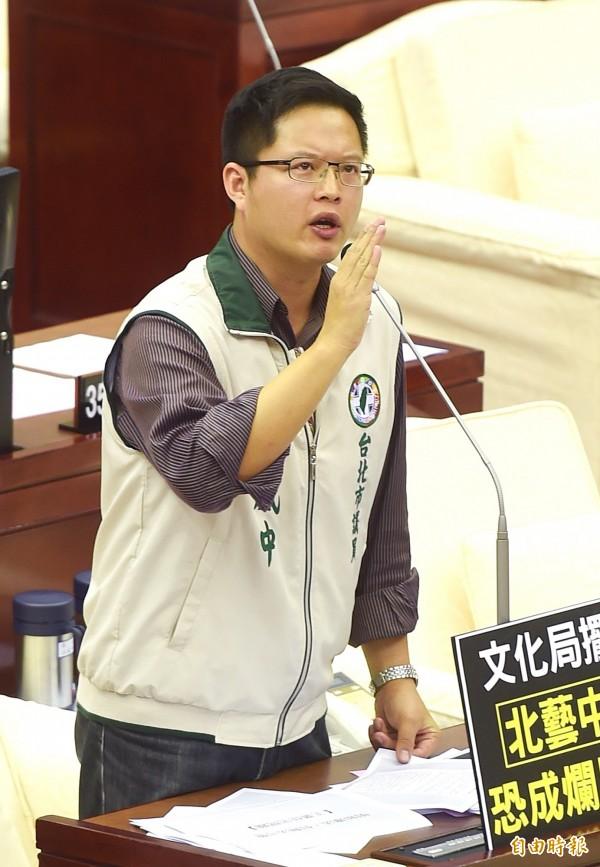 台北市議員王威中跨年夜驚傳遭人毆打。(資料照,記者方賓照攝)