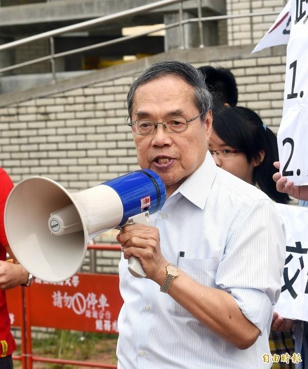 陳芳明表示:「我被國民黨統治了一生,從來沒有看到這個黨變得如此不堪。在我的餘生,可以親眼看見國民黨垮掉。」(資料照,記者方賓照攝)