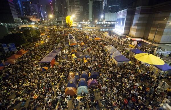 香港在2014年因為爭取真普選,發動了「讓愛與和平佔領中環」的社會運動,引起國際高度關注。(歐新社)
