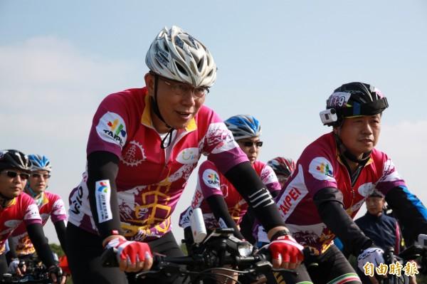 柯文哲自行車挑戰北高雙城成功,今天也在臉書上發文,鼓勵大家實現自己的夢想。(資料照,記者鄭鴻達攝)