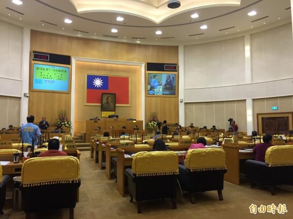 議會今開臨時會,火葬場議題,吵得沸沸揚揚。(記者張聰秋攝)