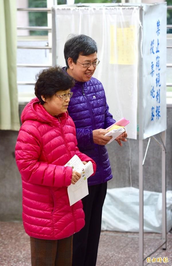 民進黨副總統候選人陳建仁前往投票。(記者羅沛德攝)