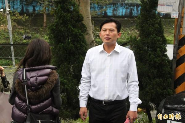 黃國昌擊敗尋求連任的國民黨立委李慶華,稍早黃國昌發表勝選感言,黃國昌表示,贏回台灣的驕傲與期待。(記者林欣漢攝)