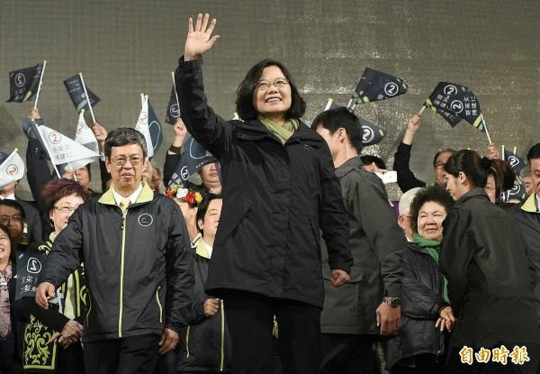 蔡英文再度承諾,未來將會維持現狀,這是對國際社會與台灣人民的承諾,「我一定會說到做到。」(記者陳志曲攝)