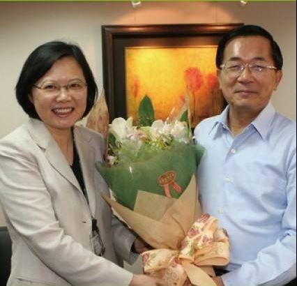 前總統陳水扁與我國第14屆總統蔡英文皆為出身台灣本土政黨,對於台灣政治具有指標性意義。(圖擷取自陳致中臉書)