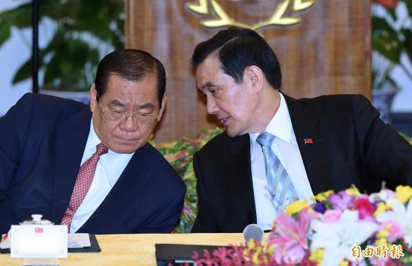 總統馬英九早上已指示曾永權秘書長(左)組成交接小組,負責大選後政權交接事宜。(資料照,記者廖振輝攝)