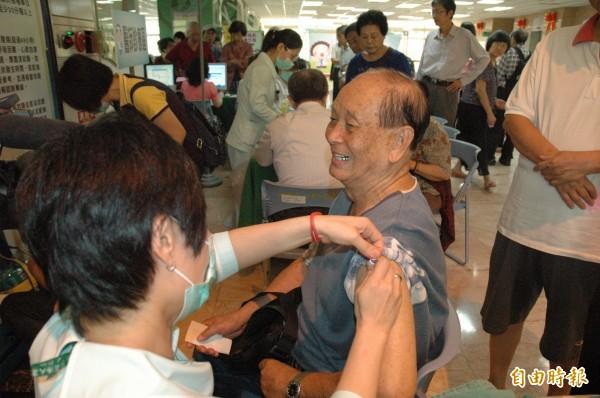 疾病管制署今日證實,一名感染H7N9台商今已重病身亡,成為台灣第一個因為感染H7N9死亡的案例。(資料照,記者方志賢攝)