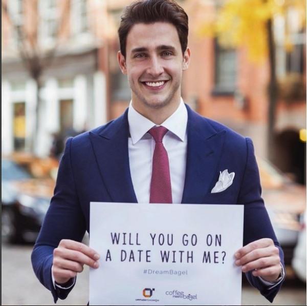 被封為全球最帥醫生的Mike,提出約會做公益的構想。(圖截取自IG)