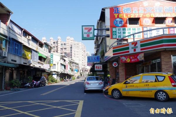 嘉義市文雅街超商開出11、12月統一發票千萬元大獎。(記者王善嬿攝)