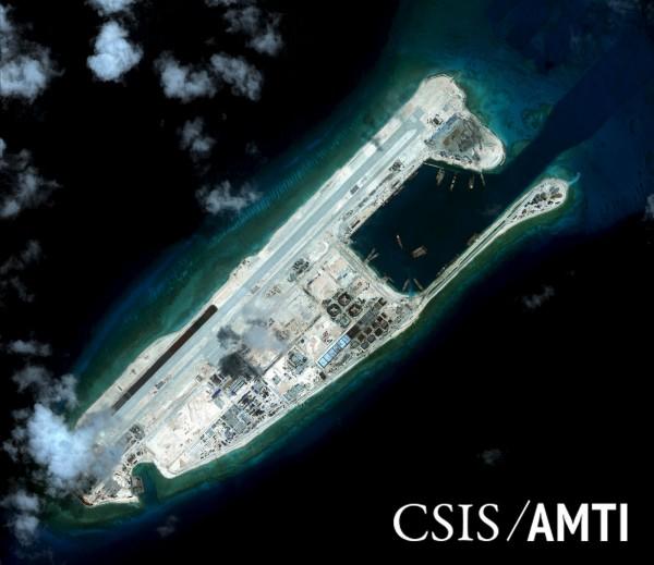印度將在越南南部建立衛星追蹤與影像中心,讓越南可以使用印度的地球觀測衛星所拍攝的,涵蓋中國與南海等地的影像。圖為中國在南海的人造島礁。(路透)