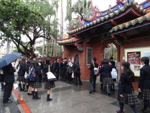 愈來愈多日本遊客來到台北修學旅行。(圖擷自台北市政府網站)