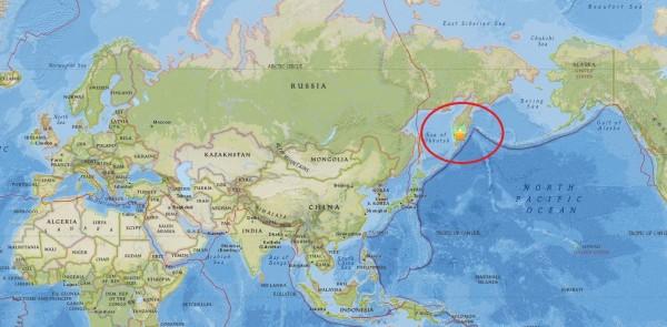 今日俄羅斯東部堪察加半島台灣時間上午11時25分左右,發生芮氏規模7.0強震,目前沒有傳出災情或人員傷亡。圖中星號為震源。(圖擷自美國地質調查所(USGS)網站)