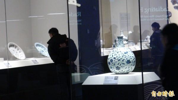 故宮南院展品絲毫不受強震影響。(記者蔡宗勳攝)